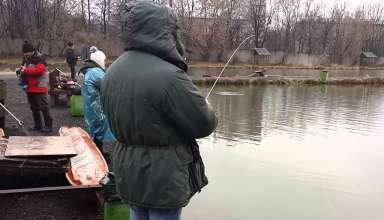 Рыбалка на пруду Левобережный в Химках